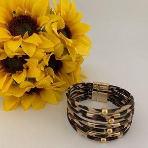 Leopard Print Magnetic Closure Buckle Bracelet